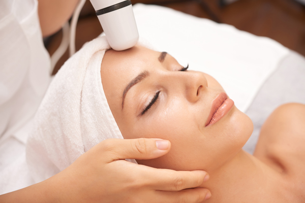 woman doing a skicare session Oily Skin Get Dry in Winter